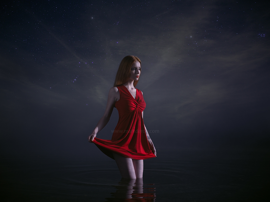 Night photoshoot in the water
